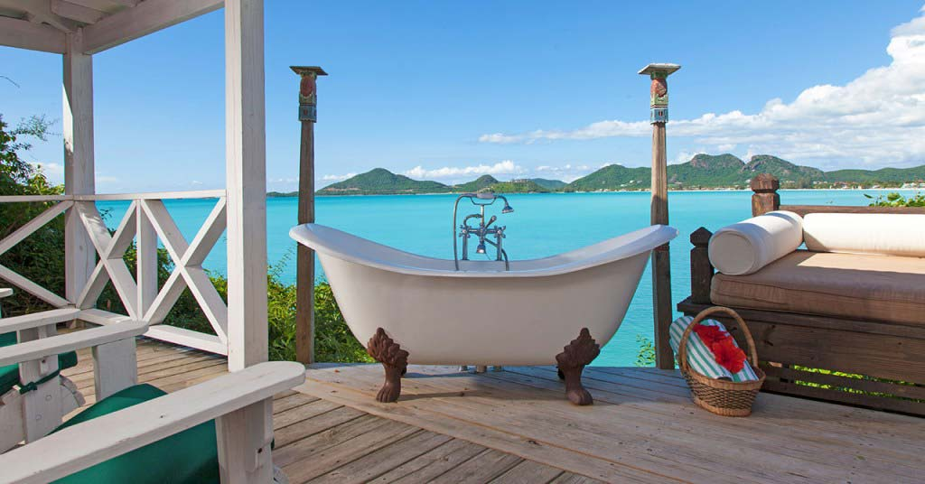 Cocobay Resort claw foot tub