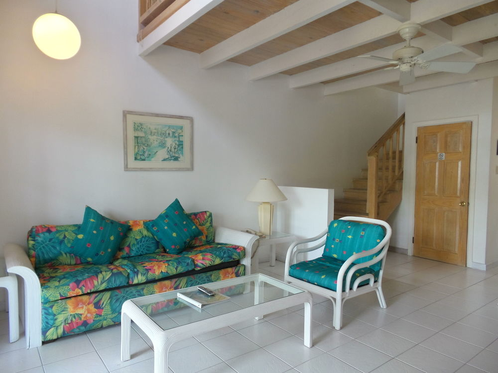 Dickenson Bay Cottages living area