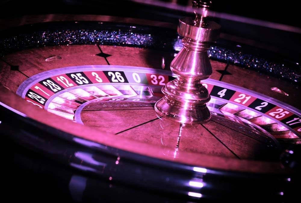 King's Casino roulette wheel