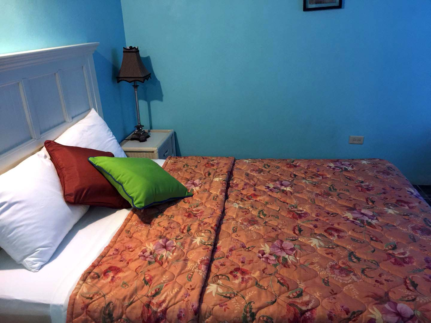 Lamblion Holiday Apartments bed