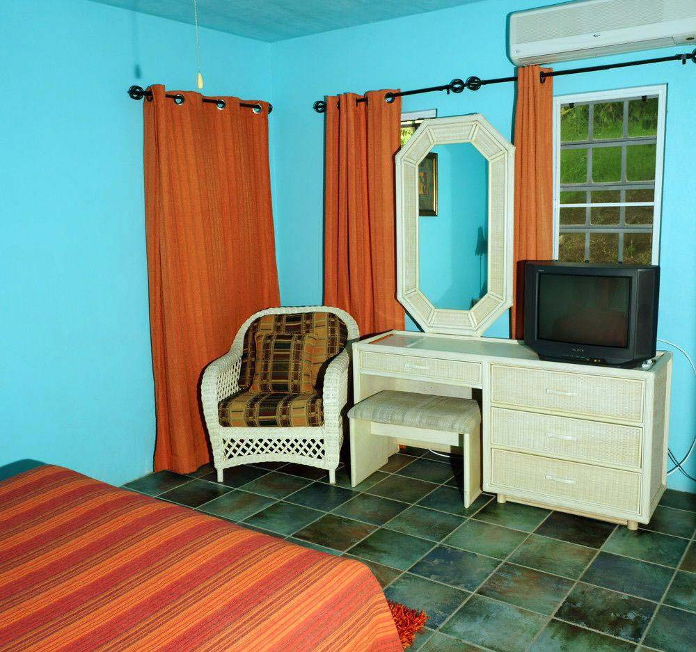 Lamblion Holiday Apartments bedroom