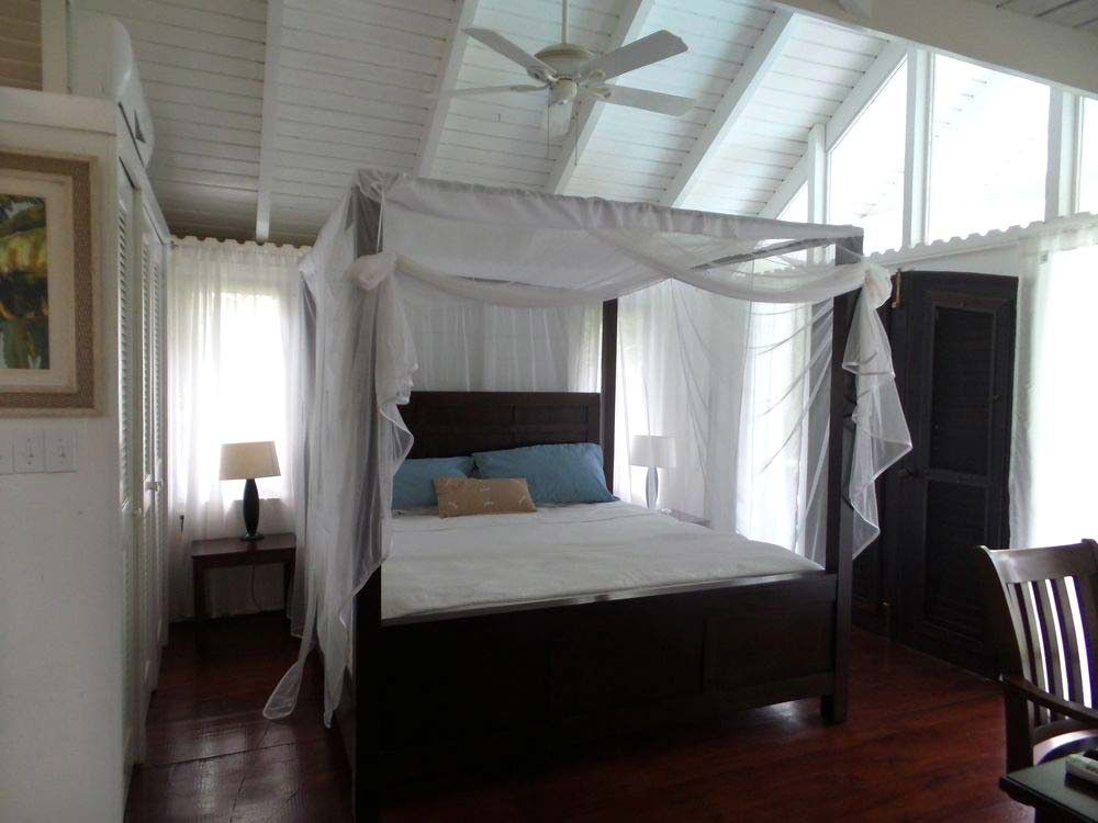 Le Jardin Creole poster bed