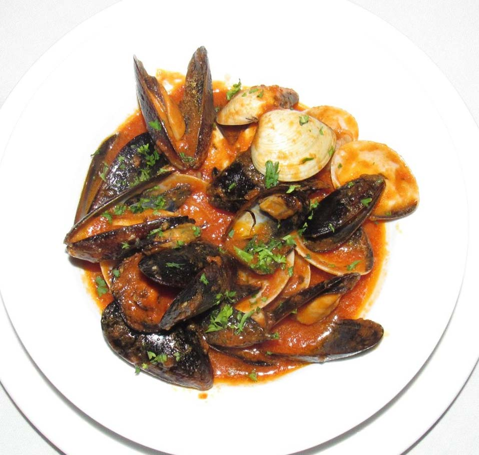 Nicky's cockles & mussels in marinara sauce