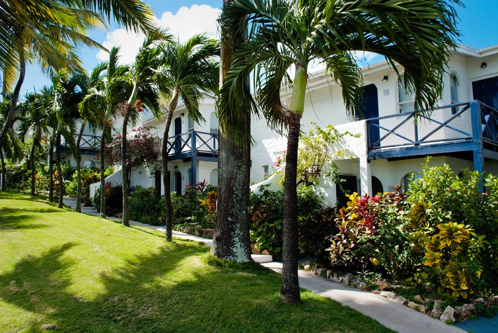 Trade Winds Hotel exterior