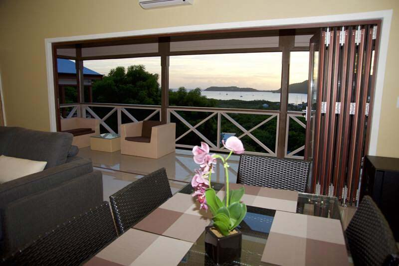 Vine Cottages dining area with view