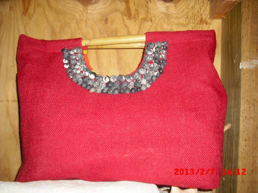 amyas-design-red-bag