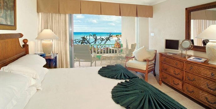 blue-waters-deluxe-beach-front-room