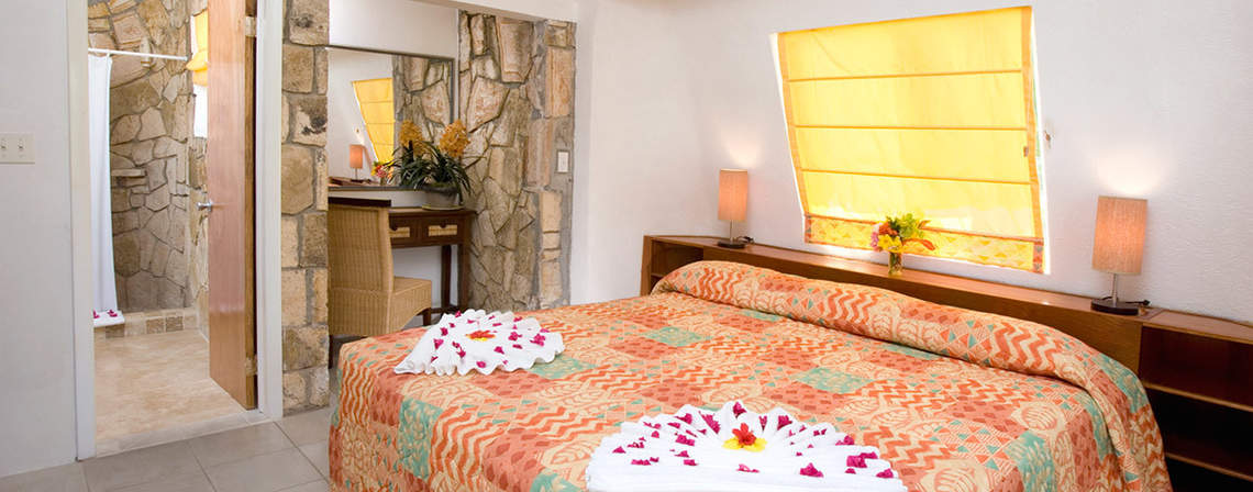 jolly-beach-cottage-bed